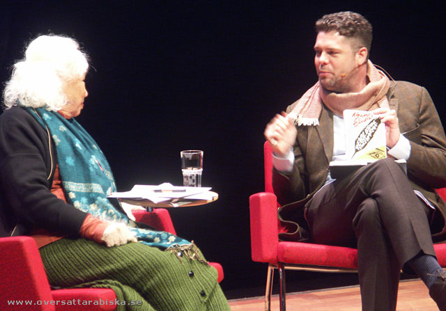 Nawal El Saadawi pratar med Stefan Ingvarsson om sin nya bok Revolutionsskrivarna